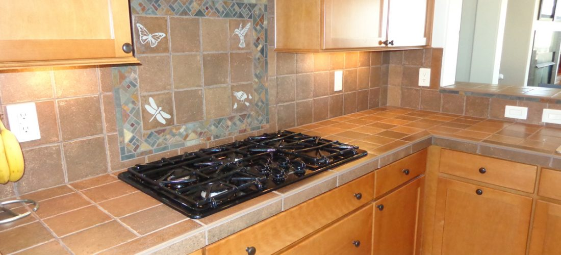 Decorative-Tile-Backsplash,-Green-Valley