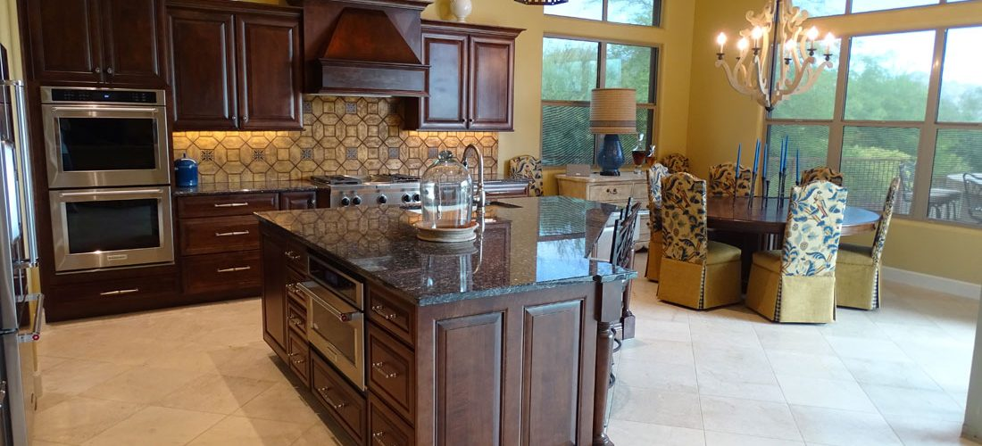 Limestone-tile-kitchen,-stone-canyon,-tucson