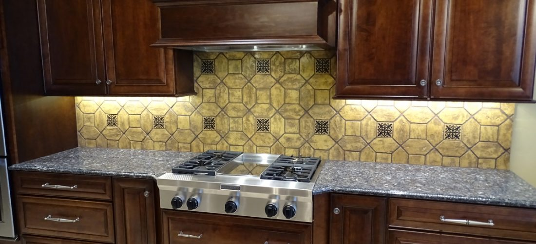 custom-tile-kitchen-backsplash,-stone-canyon,-tucson
