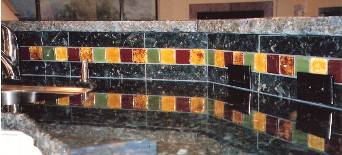 granite-tile-backsplash,-glass-tile-accent-on-backsplash,-tucson