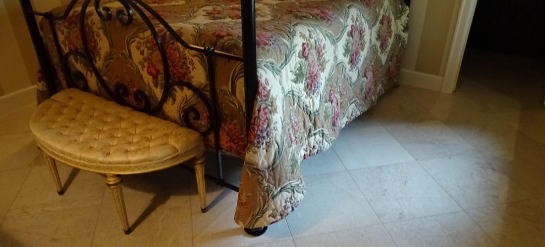limestone-tile-floor,-tucson,-schluter-ditra